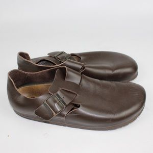 Brown unisex leather full Birkenstock shoe